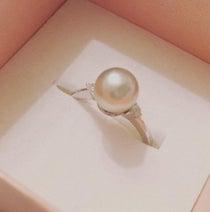 雛形あきこ、夫・天野浩成手作りの真珠の指輪を公開「素敵すぎ」「羨ましい」の声