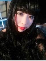 カトパン似芸人の餅田コシヒカリ、黒髪ロングヘア姿を公開「別人ヘアメイク!!」