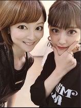 吉澤ひとみ、アプリで加工した写真に夫からも「キモ!」
