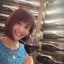 小林麻耶さん、ブログで婚約指輪を公開しコスプレでカラオケしたことも明かす