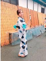 吉木りさ、浴衣姿公開 京都五山送り火で「護摩木に家内安全と願い事を書きました」