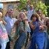 『マンマ・ミーア!』最新作、ファミリーが歌い踊る特別映像到着