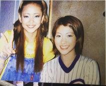 AKINA、安室奈美恵さんとの2ショットを公開「今も昔も東京で踏ん張ってこれたのは安室さんのおかげ」