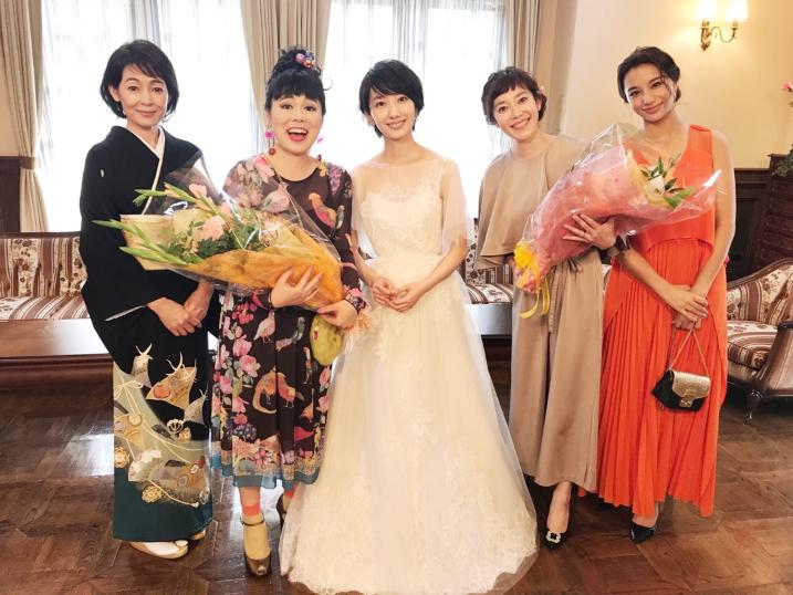 dfd8f1a6d9fec ブルゾンちえみ、波瑠らと『サバ婚』集合ショットを公開「ステキな夏をありがとう」 - Ameba News  アメーバニュース