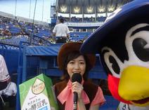 つば九郎、渡辺麻友との2ショット撮影に成功し喜び「やったぜぇ~だいせいこう!!!」