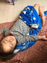 織田信成、息子の寝相を公開「セクシーな形した大根の画像見た事あるけどあんな感じ」