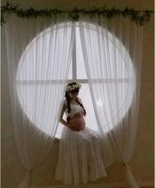辻希美、妊娠9か月のマタニティ写真を公開「記念すべき shot」