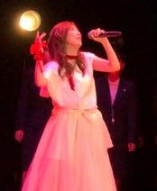 森口博子、母校の後輩とデビュー曲熱唱「泣かないようにするのに必死でした」