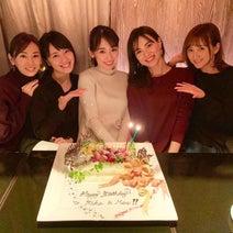 """北川景子ら""""戦士会""""で泉里香&安座間美優の誕生日をお祝い「本当にこの5人でよかった」"""
