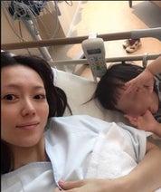 第2子妊娠の岡田薫さん『卵巣茎捻転』の痛みを明かす「お腹がちぎれるかと思った」