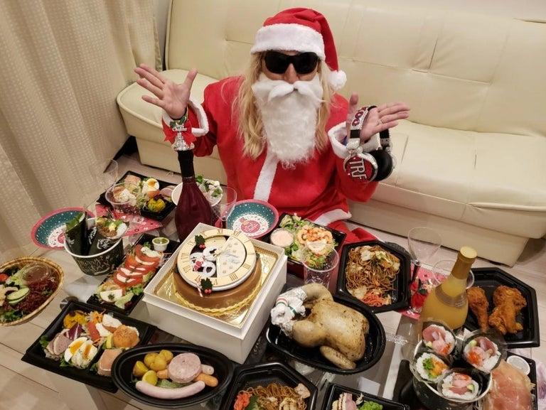 DJ KOO、家族とのホームパーティーの様子を公開「最KOOのクリスマス」