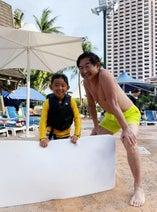 東尾理子、家族で正月グアム旅行を満喫「一日中プールで遊び倒してます!」