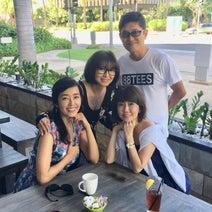 早見優、ハワイで薬丸裕英らと朝食「花の82年組」「輝いてます」の声