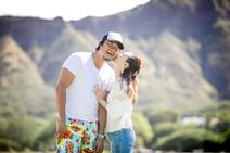 小原正子、ハワイで撮った夫とのキスショット公開「しびれるー」「愛が溢れてる」の声