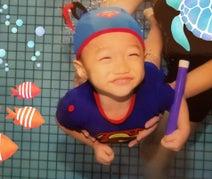 小原正子、次男の水中ショットを公開に「めっちゃかわいい」「最高にいい写真」の声