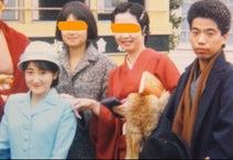 エド・はるみ、33年前の出川哲朗との写真を公開「まだ役者の卵だった頃」