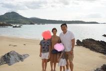 花田虎上、家族で沖縄の海や国際通りを満喫「いわゆるインスタ映えですね」