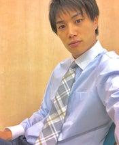 鈴木伸之、整形外科医役・白衣の下を公開「イケメン」「似合ってる」と絶賛の声