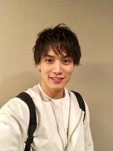 鈴木伸之の自撮りブログに励まされるファン続々「本当に可愛い」「仕事 頑張れます」の声