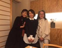 河野景子さん、フジテレビ時代の先輩&後輩との笑顔ショットを公開「飲んで食べて語って語って~」