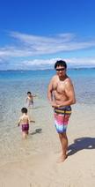 小原正子、ハワイのビーチで遊ぶ息子たち「遊んで遊びまくった」