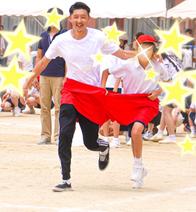 仁香、小学校最後の運動会で夫と息子を撮影「素敵な笑顔」「感動しちゃいました」の声