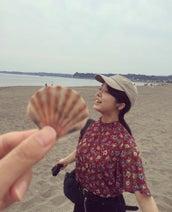 上白石萌音、友人と海へお出掛け「緩い時間がたまらなく好き」