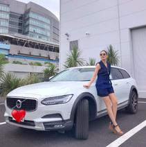 アンミカ、日本に1台の愛車を公開「車内に19個もスピーカーが付いていて」