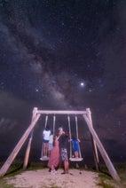辻希美&杉浦太陽、沖縄で撮影した家族写真が完成「加工は一切なしでこの綺麗さ」