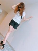 渡辺美奈代、久々のショーパン姿に「美脚」「スタイル抜群!」の声