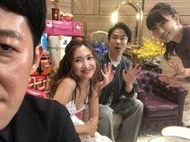 あいのり・桃、小籔千豊・紗栄子らとの4ショットを公開「なんてことなの…!!」