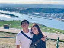 小島よしお、ドイツで妻とライン川クルーズ「100分の間に12の城などを眺める事ができます」