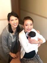 友利新、第3子を抱っこする西川史子と3ショット「何度も可愛い可愛いと言ってくれて」