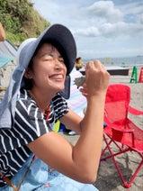 奥山佳恵、友人に誘われて無人島に足を運び「みんなとならまた漂流したい!」