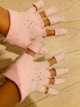 山川恵里佳、娘がアレンジした手袋を公開「想像力素晴らし」