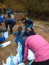 山川恵里佳、夫・モンキッキーと参加したボランティア「皆さんの力が必要です」