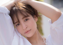ファッションモデル・野崎萌香が週プレで男性誌初グラビア!「家はスパルタでした(笑)。テレビを見るために親にお手紙を書いたことも」