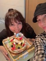 小川菜摘、KABA.ちゃんから誕生日祝い「久しぶりの弾丸トーク(笑)」