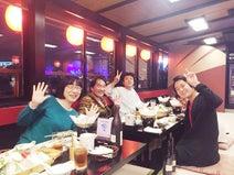 阿佐ヶ谷姉妹、屋形船での事務所新年会の様子を公開「楽しそう」「素敵な事務所」の声