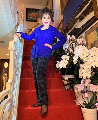 デヴィ夫人、大掃除で発見した20万円のジャケットを披露「久々の再会、苦い思い出」