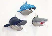 トイレットペーパーがインテリアに!? サメたちのロールティッシュケース。ヴィレッジヴァンガードより
