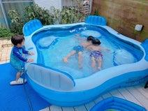 辻希美、自宅で子ども達とプール遊び「鬼のような暑さでした」