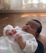 """hitomi、4人目を出産し""""変化""""したことを明かす「あまり、慌てなくなった」"""
