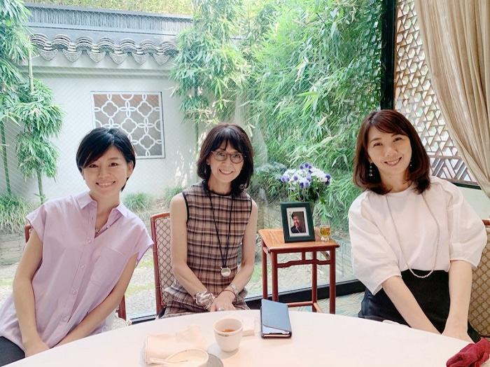 柏木由紀子、家族で亡き夫・坂本九さんの墓参りへ「35年目の夏…」