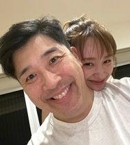 あべこうじ、2日振りに再会した妻・高橋愛の行動に「ほっこり」「可愛い」の声