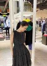 藤あや子、佐々木希からもらったワンピースでお買い物「登場回数増えそう」