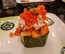 """小林麻耶、""""回転寿司ランチ""""で自身にご褒美「豪華~!」「粋ですね」の声"""