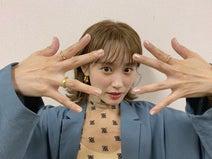 高橋愛、キラキラメイクショットを公開「毛穴が見えますねww」