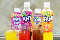 味と色が変わる「ファンタ インスタミックス」体験! やきとり家すみれ史上最大の割引
