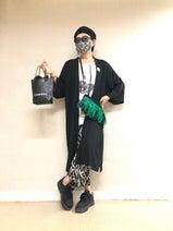 美川憲一、1週間のコーデを披露「ドクロの鞄はオーダーで」